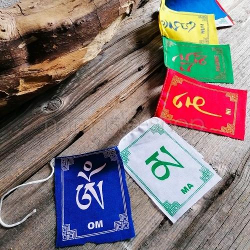 Piccole Bandiere Tibetane - Mantra OM MANI PADME HUM