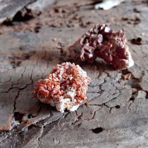 Vanadinite grezza del Marocco