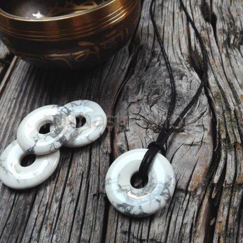 Donuts di HOWLITE  - Ciondolo portafortuna