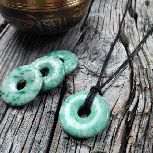 Donuts di GREEN JADE - Ciondolo portafortuna